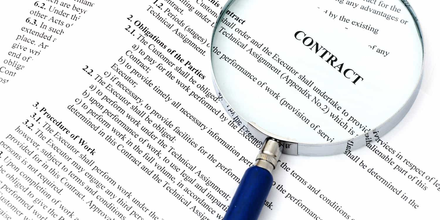 contract-magnifying-size-article-main