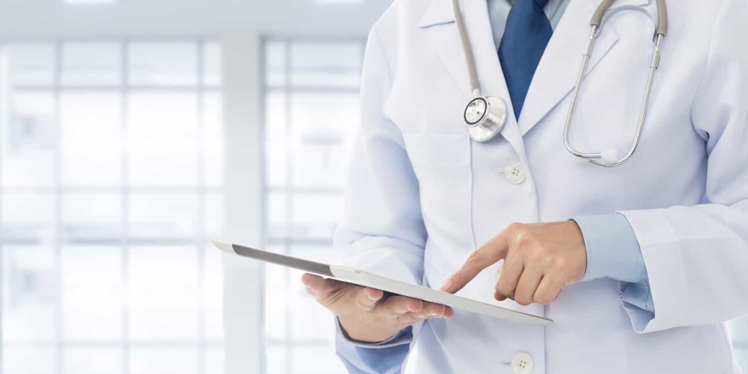 doctor-ipad-2-size-article-main